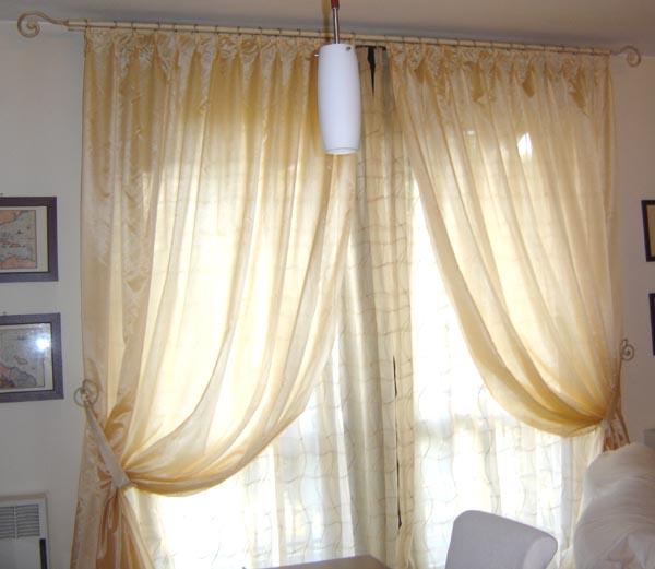 Home line forniture ed installazione di tendaggi tende for Stili di arredamento interni